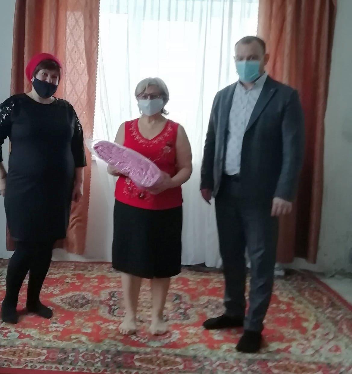 Поздравление вдовы участника боевых действий в Афганистане
