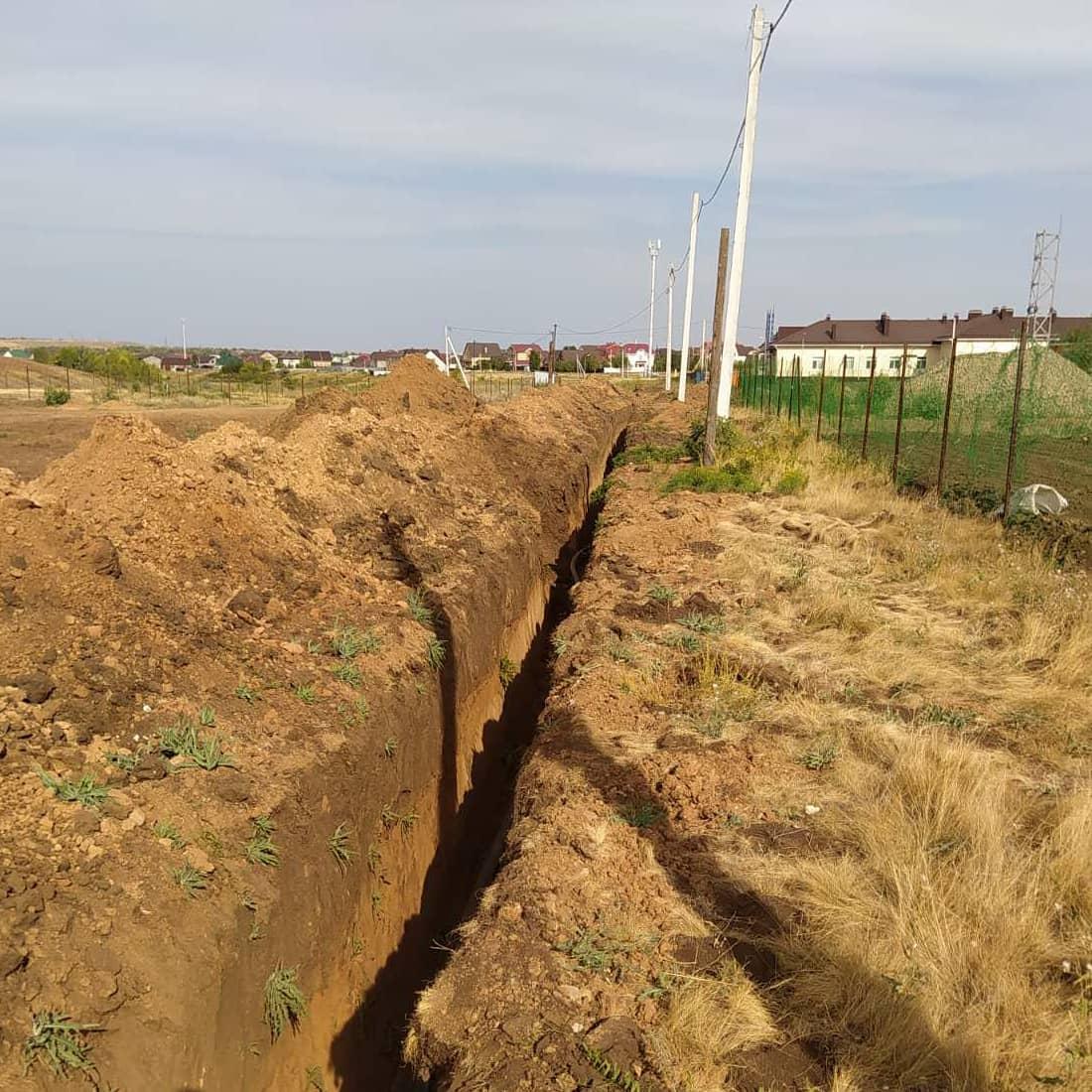 Укладка водопровода к новой школе